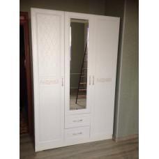 Шкаф трехстворчатый с зеркалом Диамант